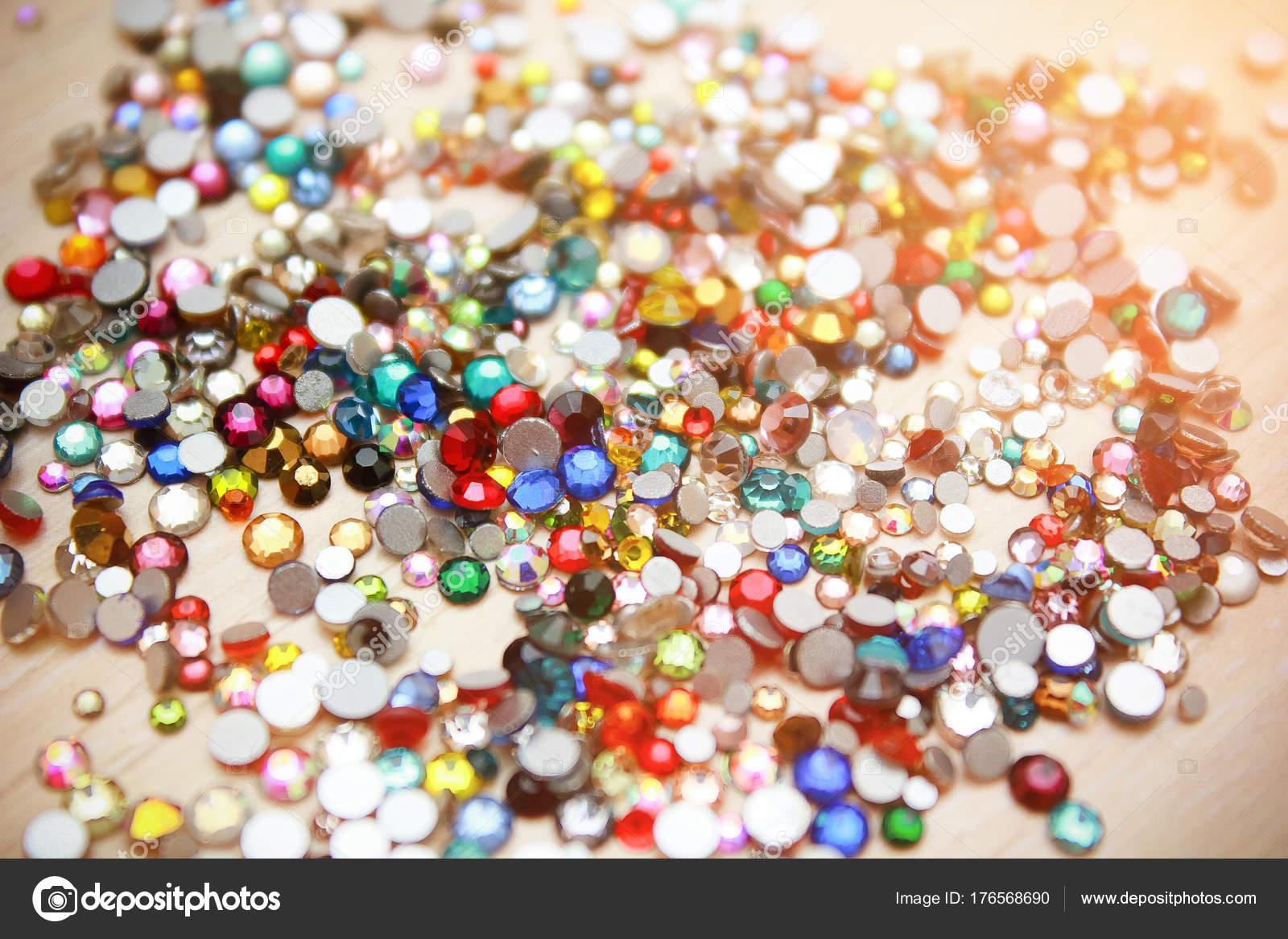 Brillantes diamantes de imitación de fondo cierre para arriba de un ...
