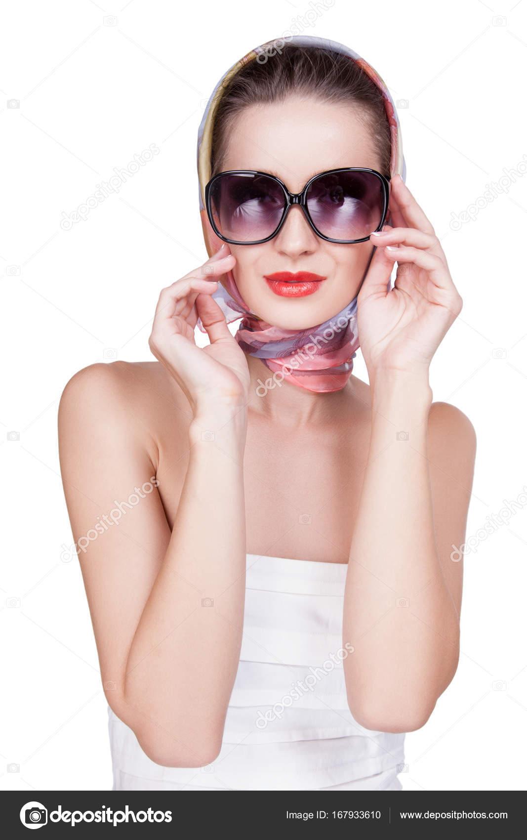 fotos oficiales último clasificado mejor lugar Gafas blancas mujer | Mujer en vendas blancas en el cuerpo y ...
