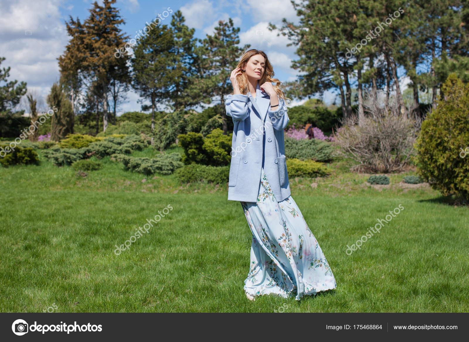 Vestido azul y chaqueta