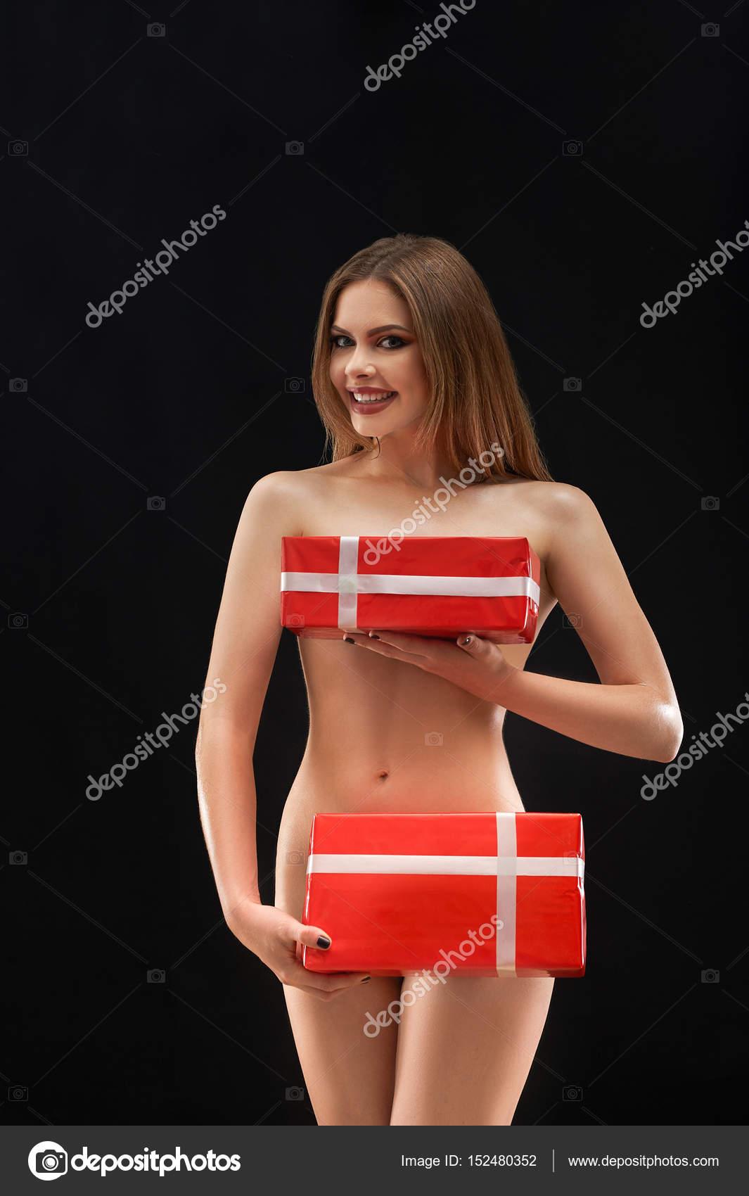 Naked girl posing will