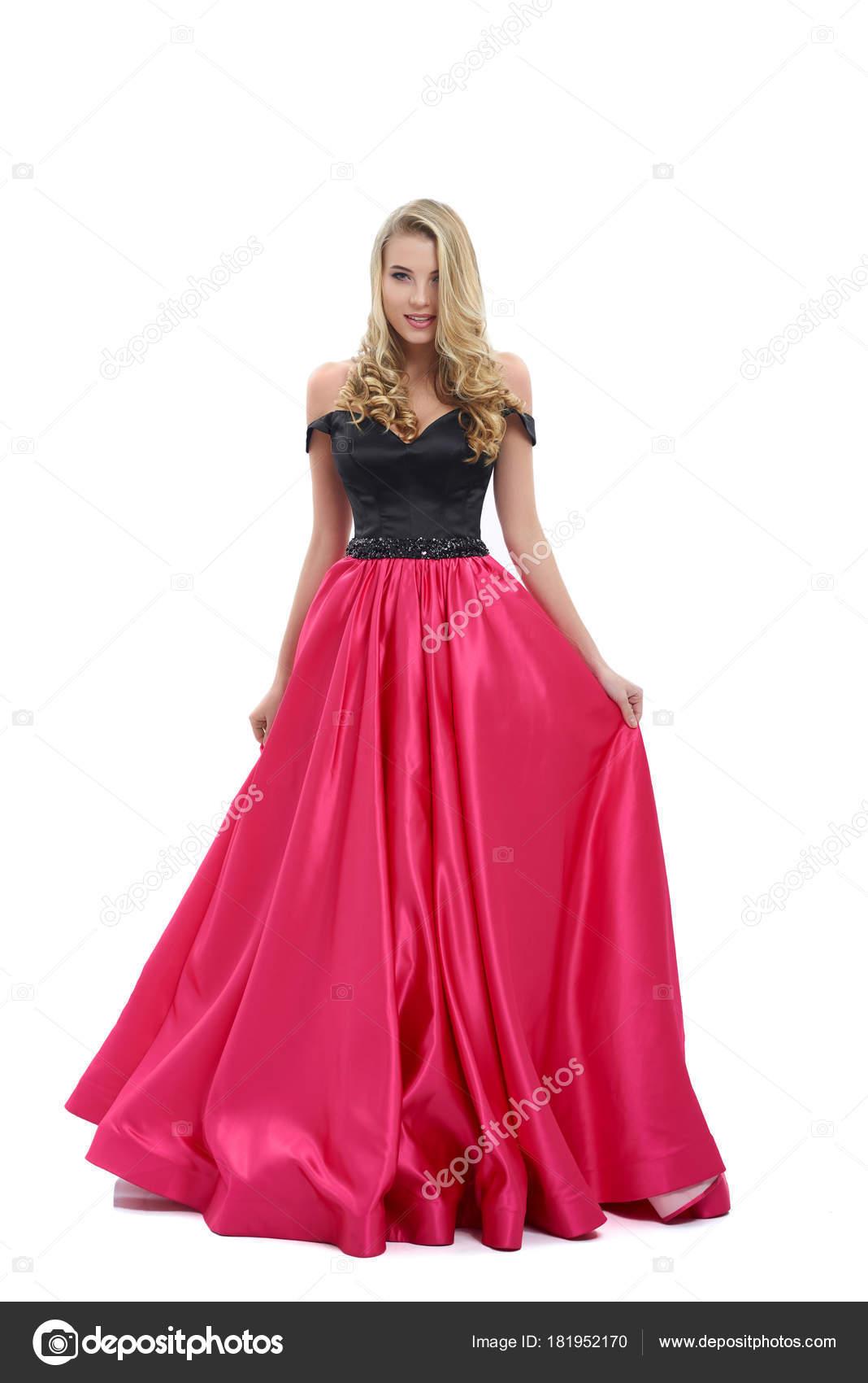 94f7b2ec5f9 Замечательная девушка удивительно долго розовый и черный вечернее платье.  Хороший выбор для выпускного вечера. Девочка очень красивая и блондинка  вьющиеся ...