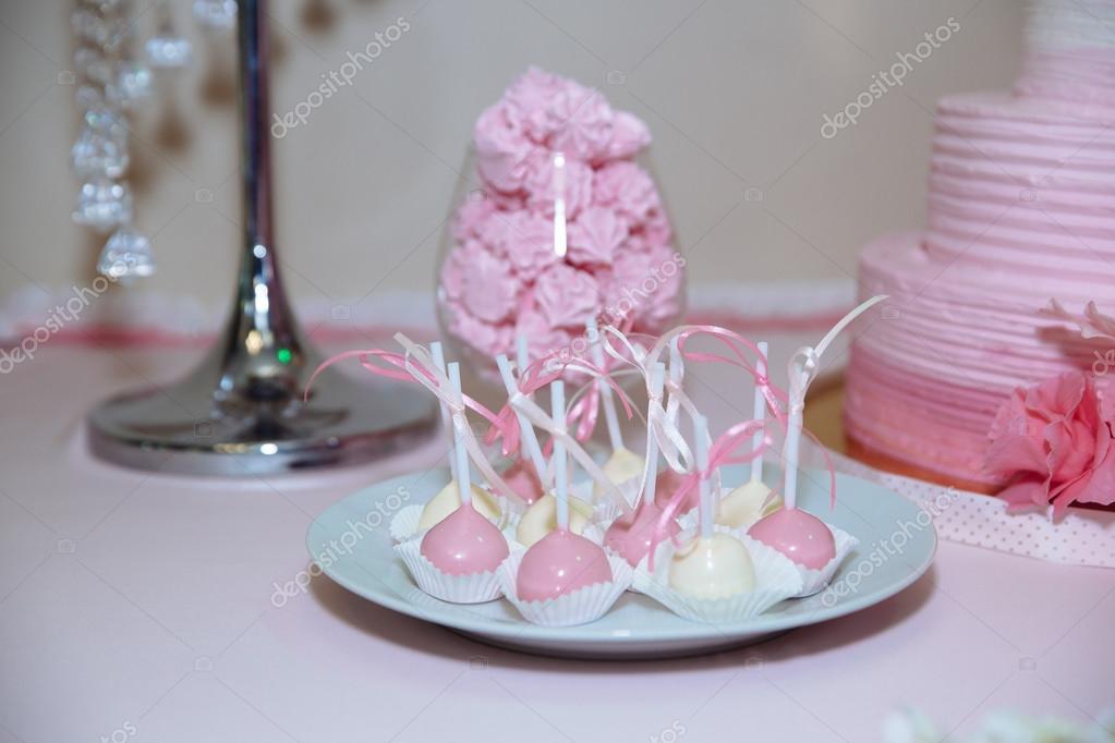 Bolo De Casamento Barra Marshmallow Na Mesa Em Um Vaso