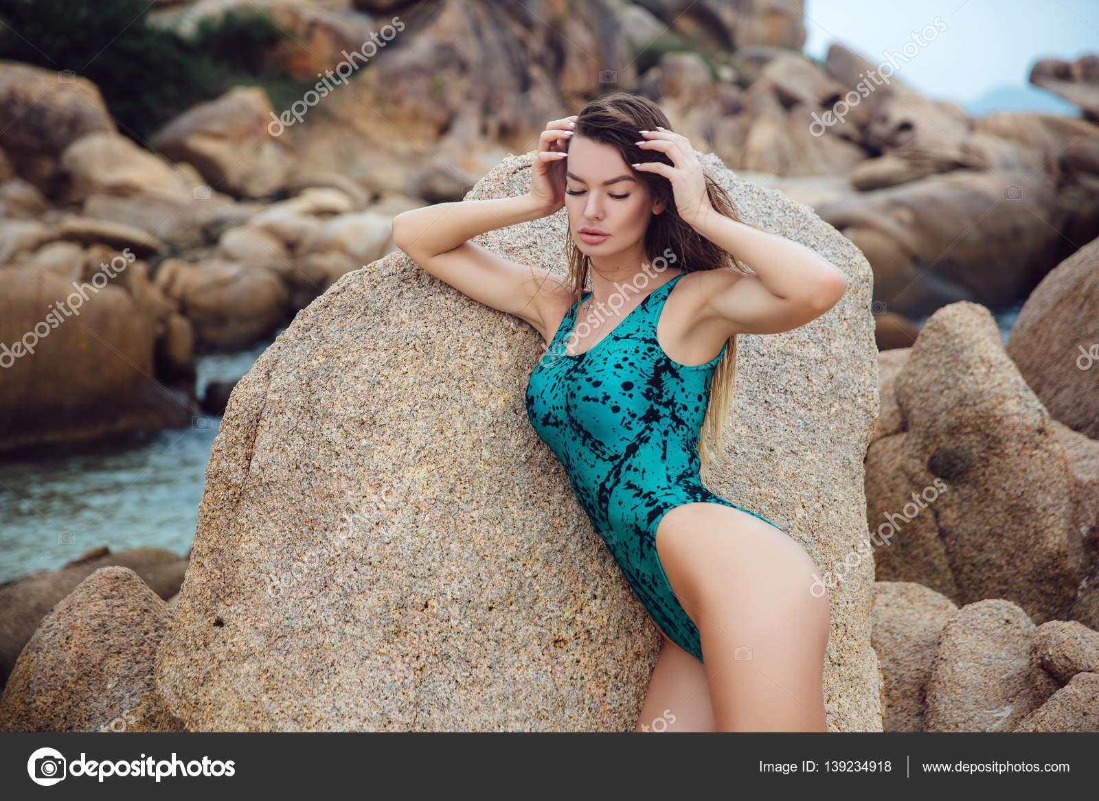 σέξι έβενο πόδια φωτογραφίες