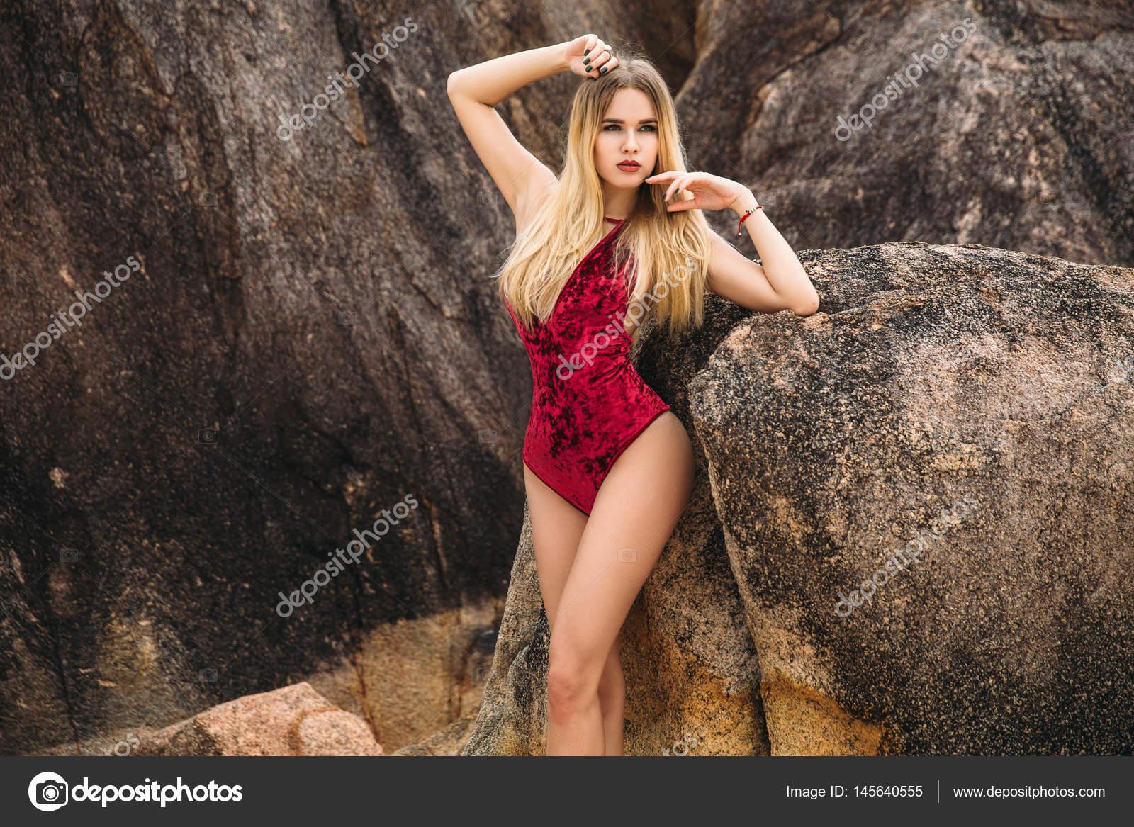 Фото красивих сексуальних білявок