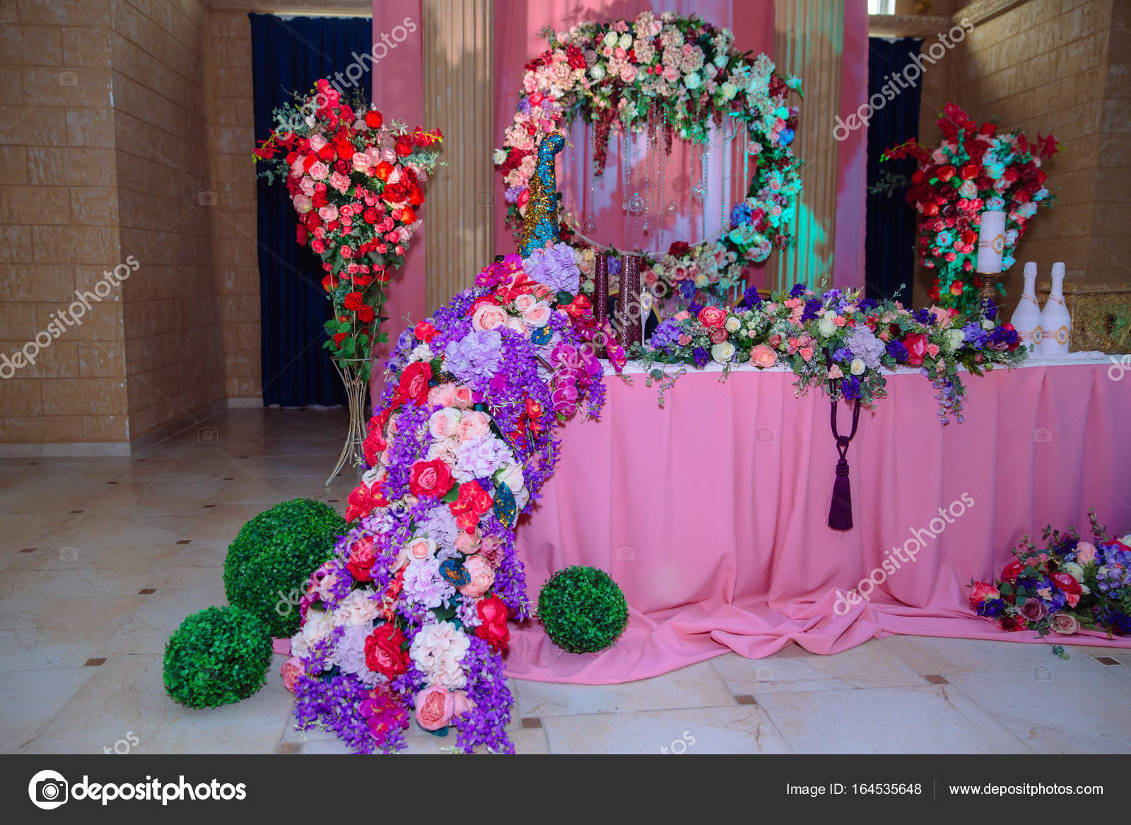 Schon Dekorierte Hochzeit Restaurant Fur Die Ehe Bunte Dekoration