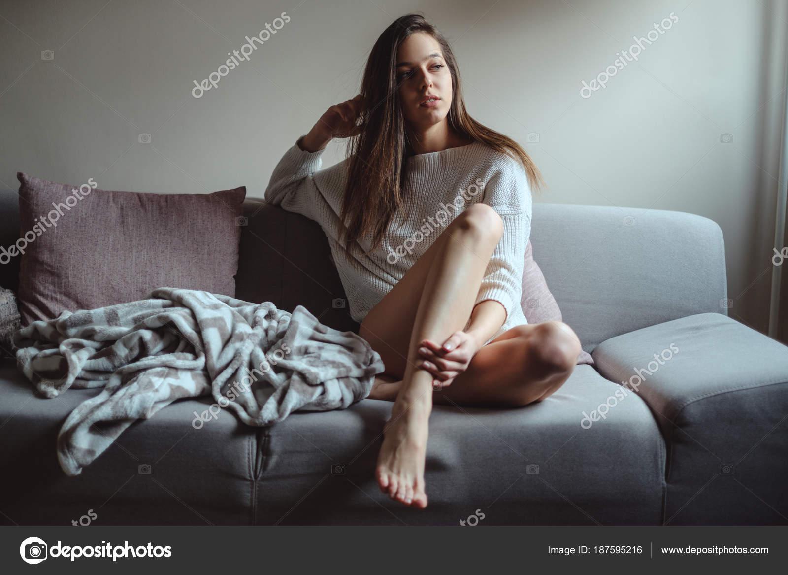 Сексуальные девушки в свитере