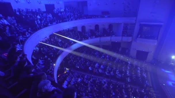 Fényes színpadon lights Lviv, Ukrajna - március 8 2017
