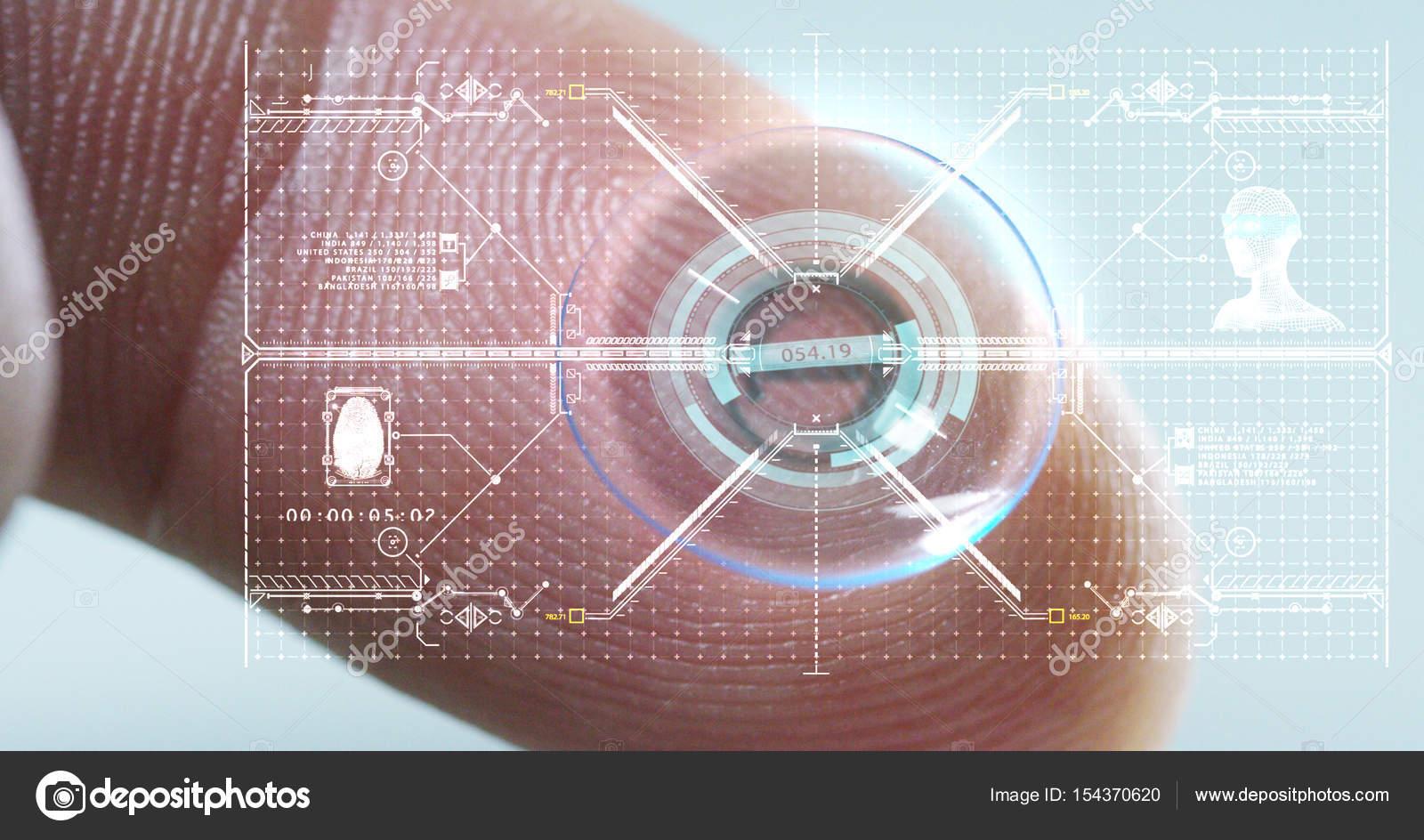 a8294b5f7 Tiro de macro de um dedo segurando uma tecnologia de lente de contato com  um chip para ver melhor em ambos os olhos e aumento dioptrias.