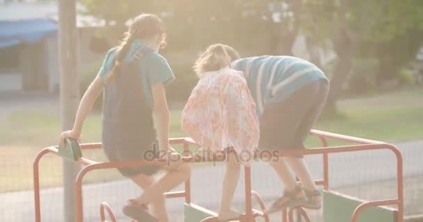Gyermekek szórakozás együtt