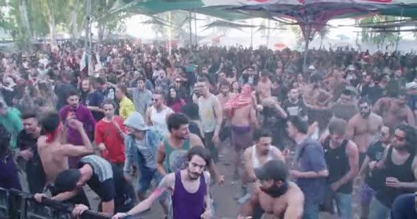 Видео девушки танцуют в стиле транс