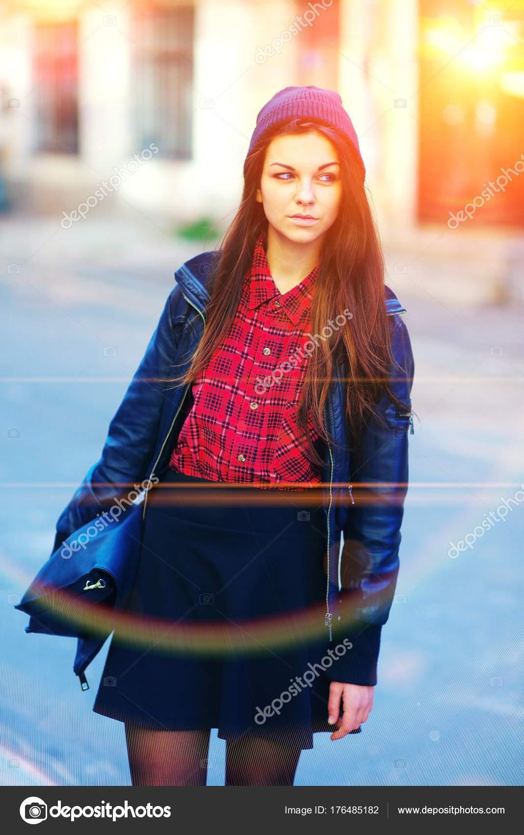 Imágenes Chicas Bonitas Con Pelo Largo Retrato De Chicas