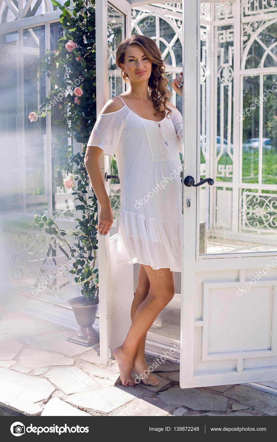 llegando replicas ropa deportiva de alto rendimiento Vestido blanco descargar | chica embarazada con un vestido ...