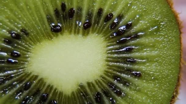 érett gyümölcs kiwi fordul
