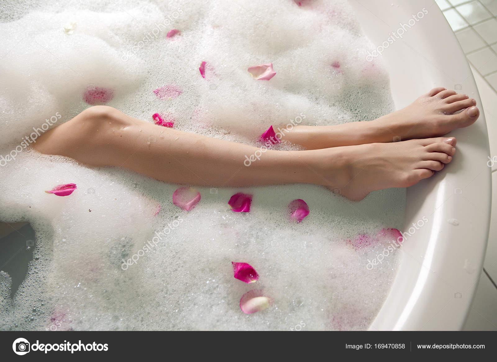 ===Palíndromos=== Depositphotos_169470858-stock-photo-pink-rose-petals-in-a