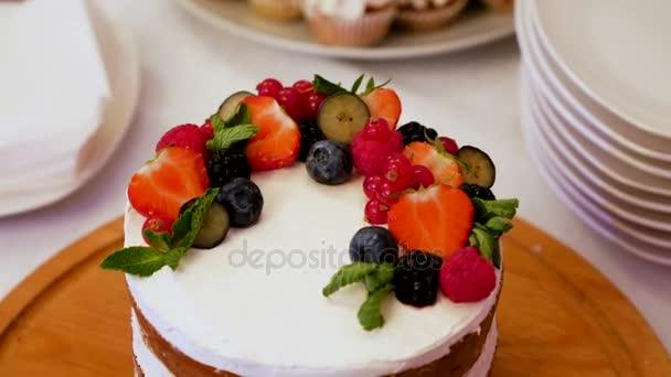 malé slavnostní dort