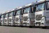 Burg / Deutschland - 11. Juni 2017: Deutsche Mercedes Benz Actros LKW Spedition Firma Neumann steht in einer Reihe.