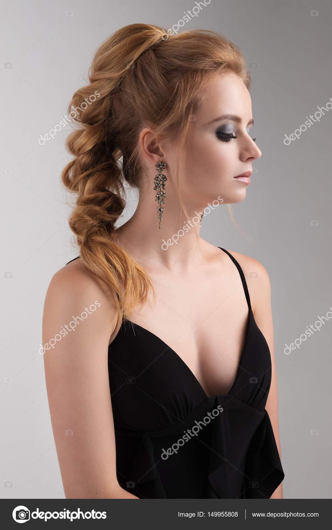 Vestido negro muy escotado