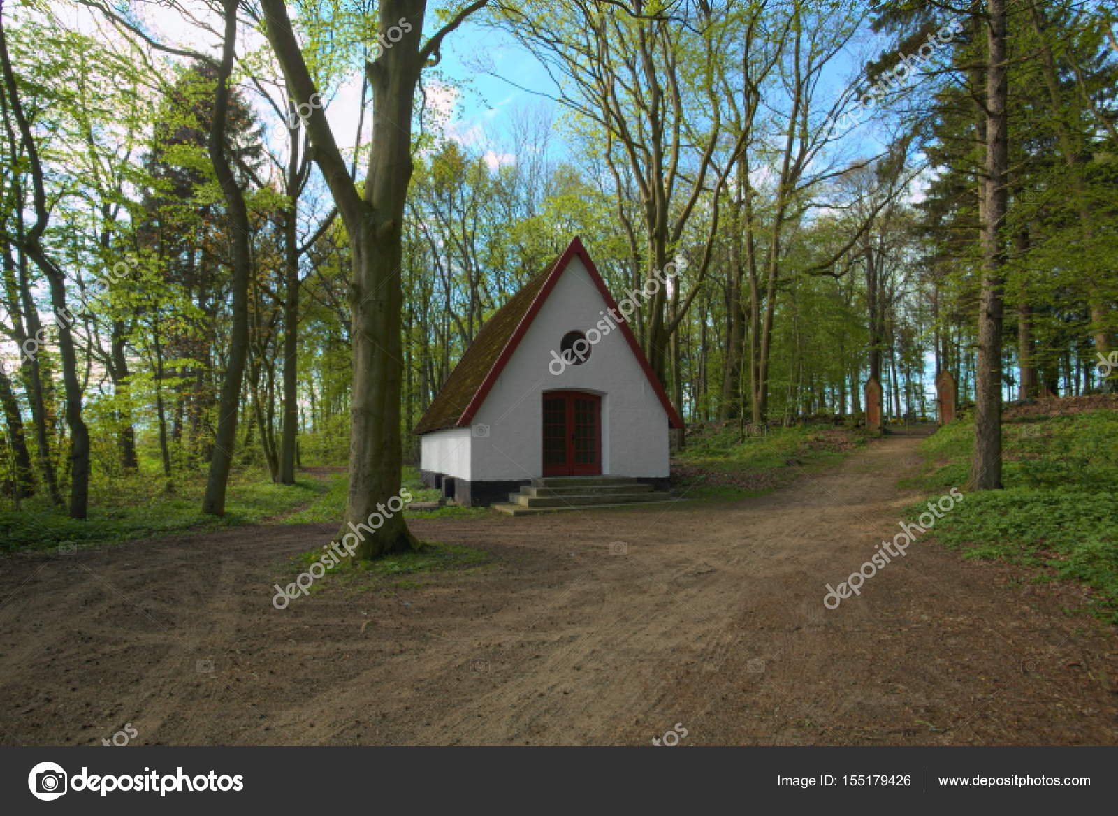 Chapel in front of Waldfriedhof (forest cemetery) in Dambeck