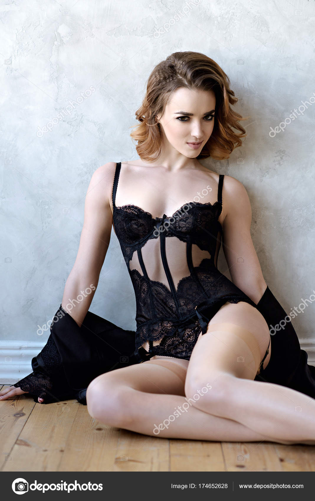 Красивая сексуальная дама
