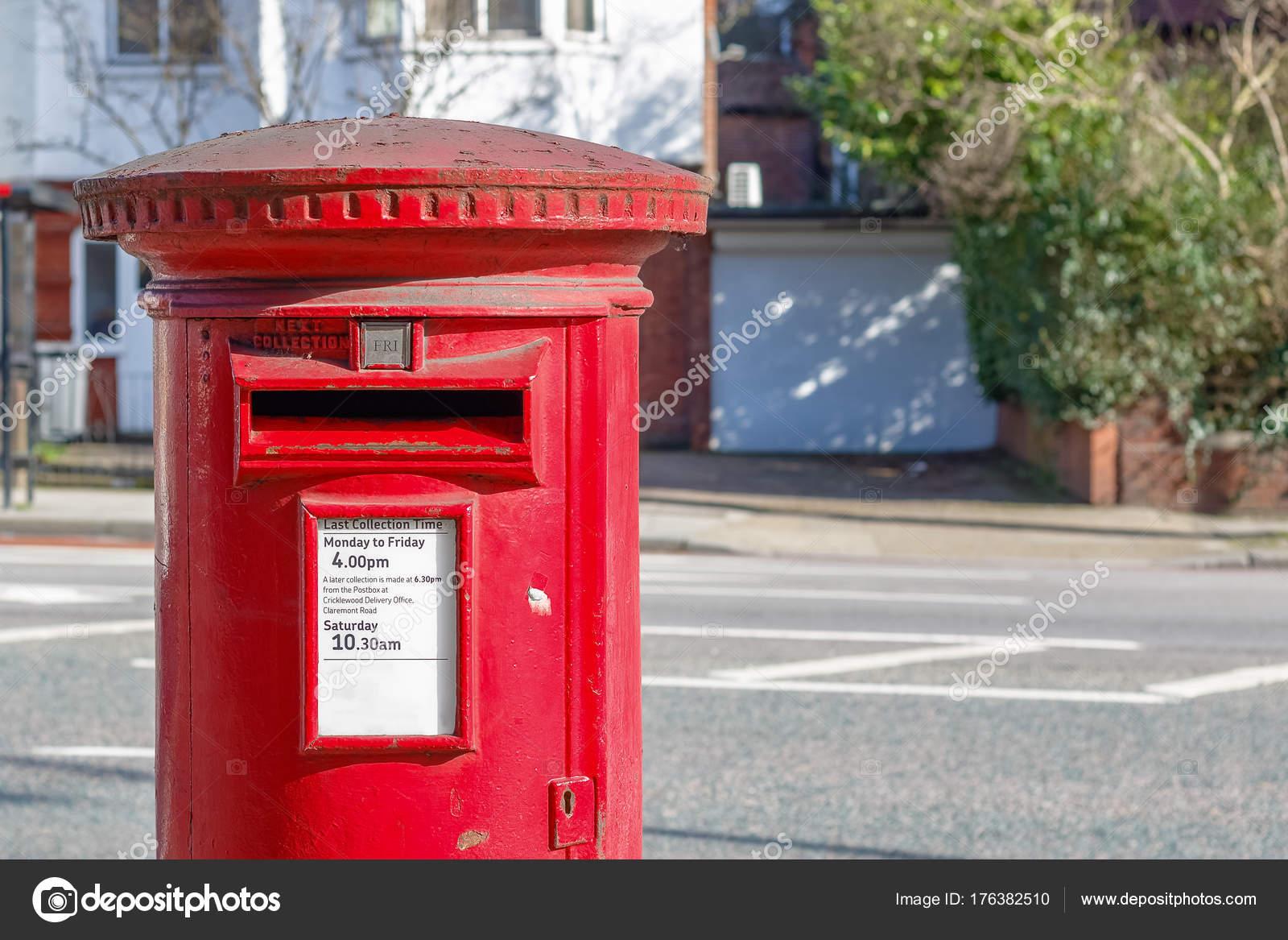 Kultigen Roten Englischen Briefkasten Stockfoto Victorhuang