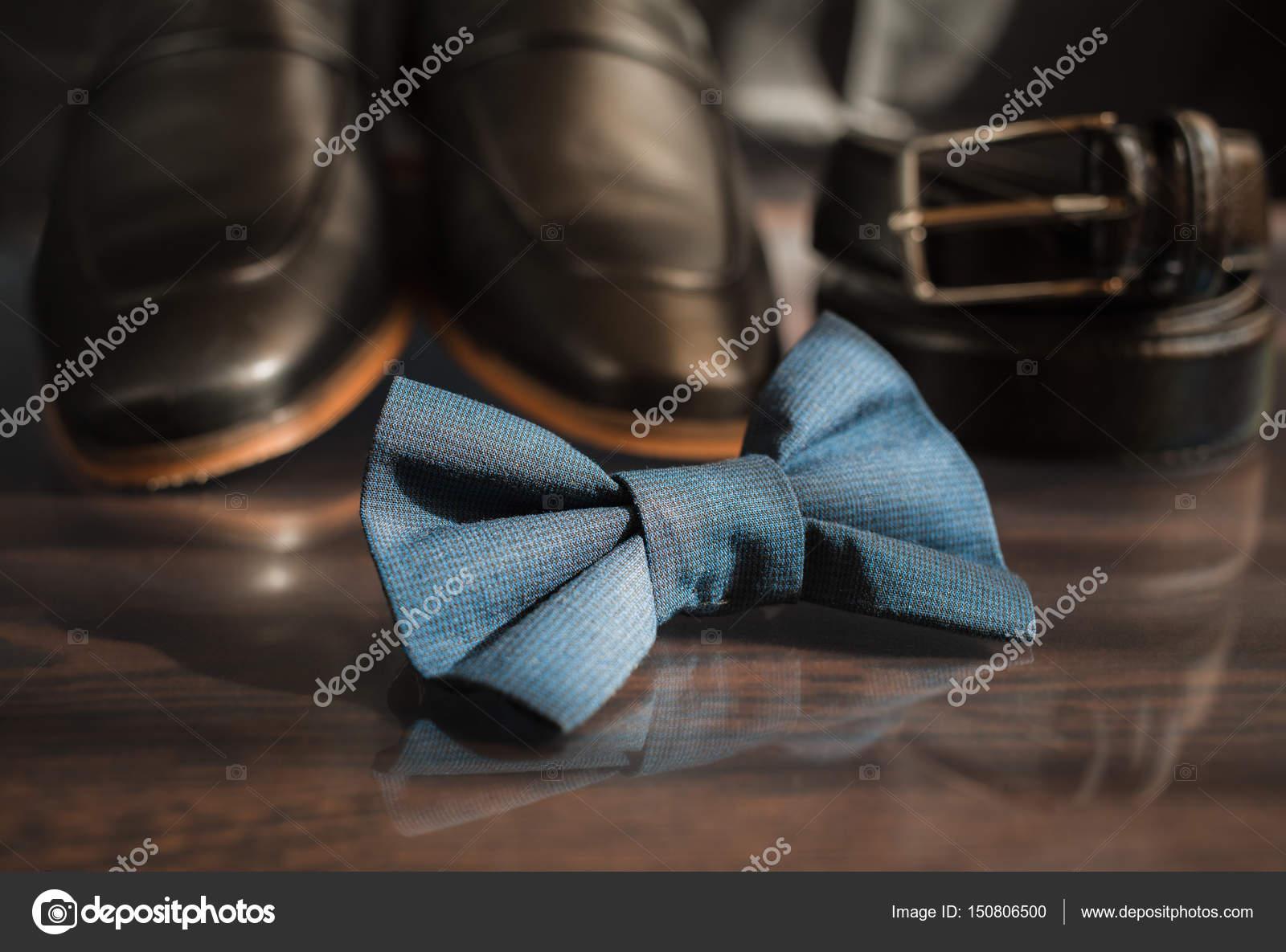 21ae7dfe8d23b Estilo do homem. Acessórios masculino  borboleta masculino, sapatos  masculinos, relógios masculinos. Definir o noivo borboleta sapatos cintos  relógios– ...