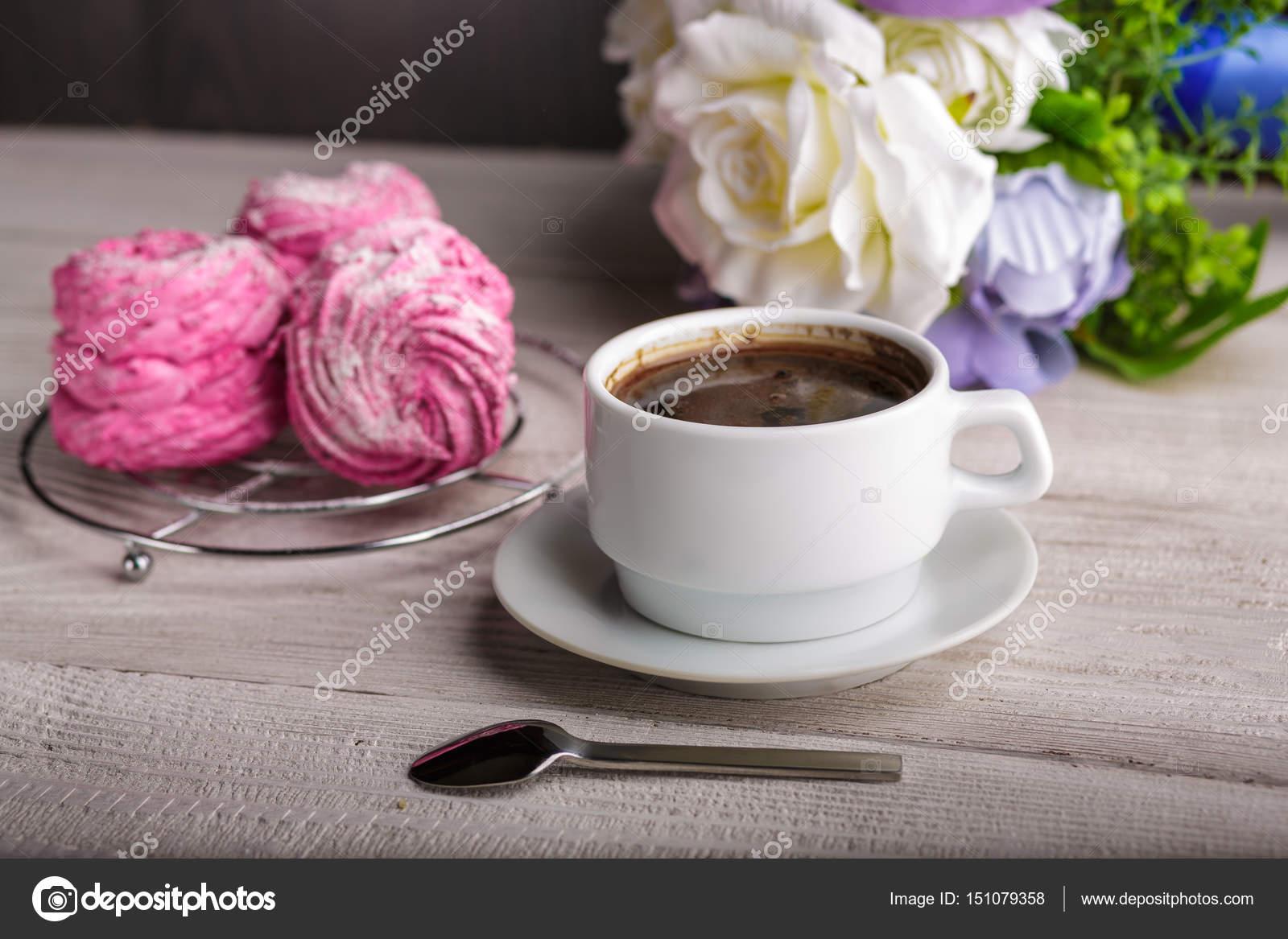 Schwarzer Kaffee Und Rosa Zephyr Marshmallow Süße Rosa
