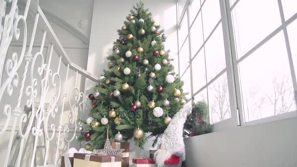 Nové lety dárky, Vánoční ozdoby a další atributy dovolené