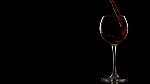 Öntsük bele a vörösbor üveg