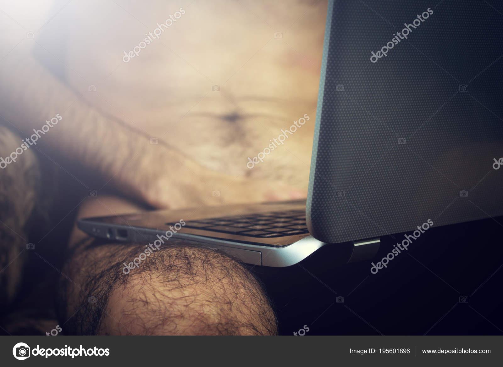 tori černé a sexuální stroje