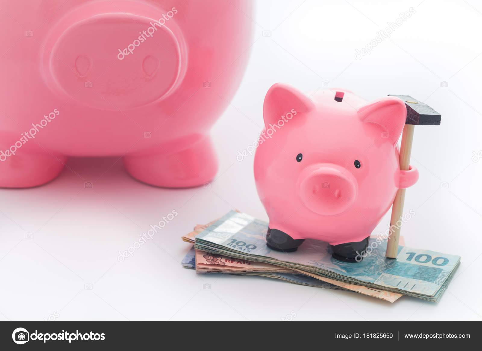 Duża Mała świnka Skarbonka Jako Koncepcja Zapisywanie