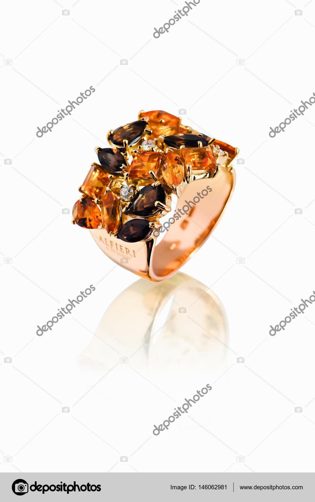beautiful jewelry ring — Stock Photo © EVursta.bk.ru #146062981