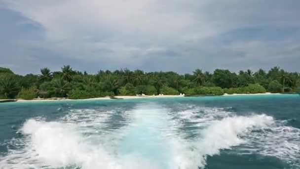 Ráj v tropech nádherné pláže a tropické moře