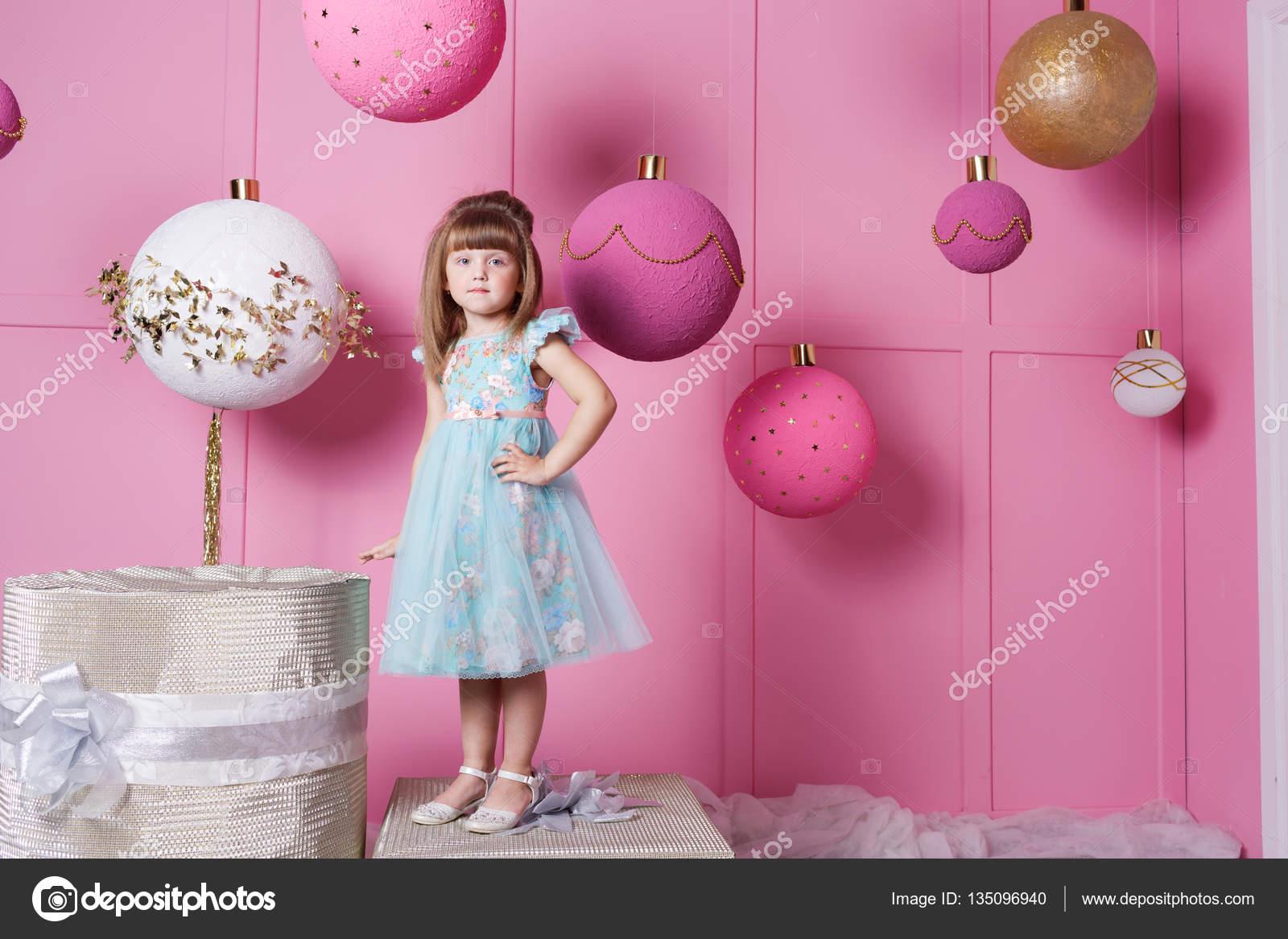 Stock foto blauwe children ´s kamer met speelgoed k
