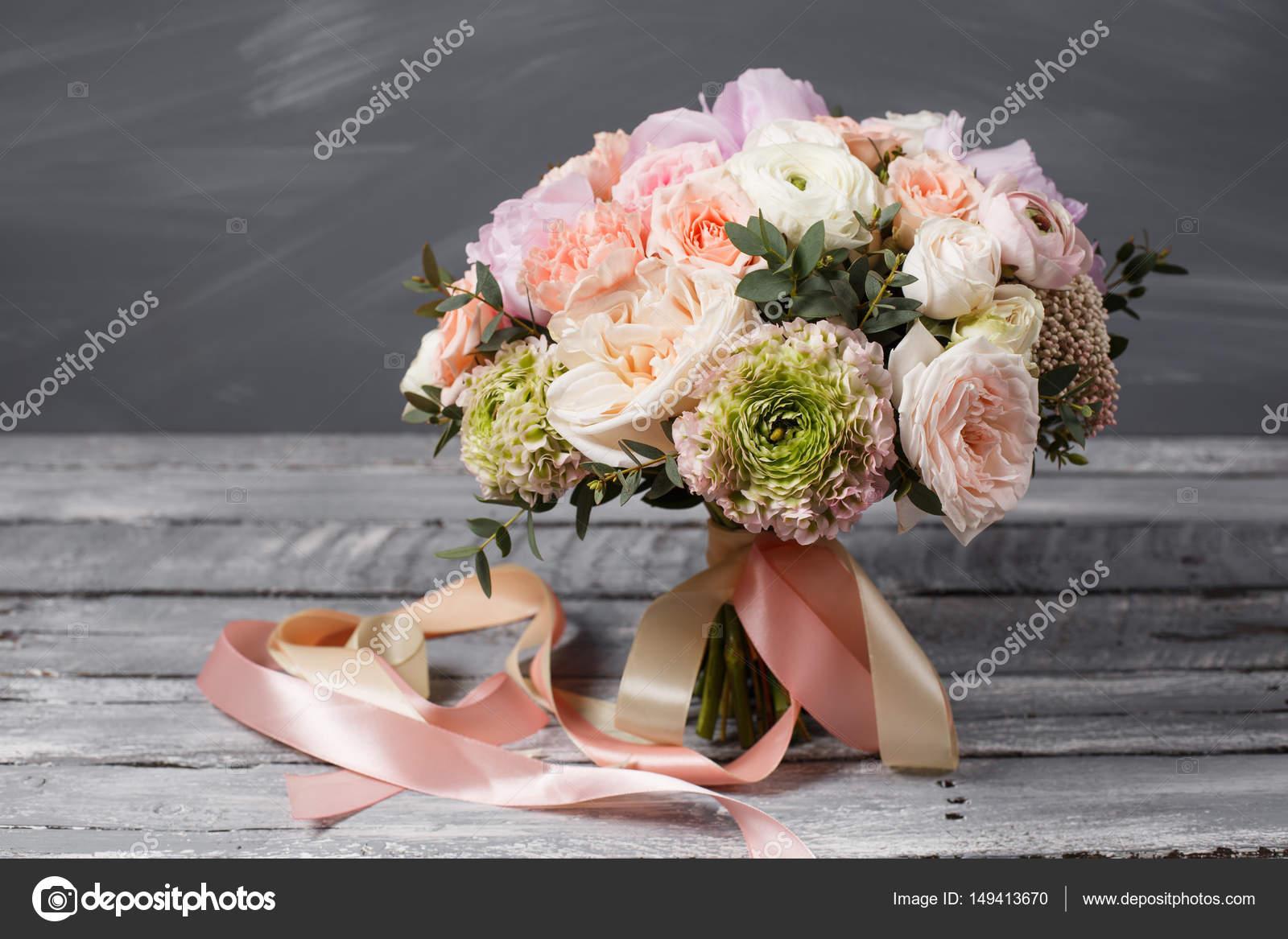 Bouquet de mari e mariage beau bouquet blanc rose de for Beau bouquet de fleurs