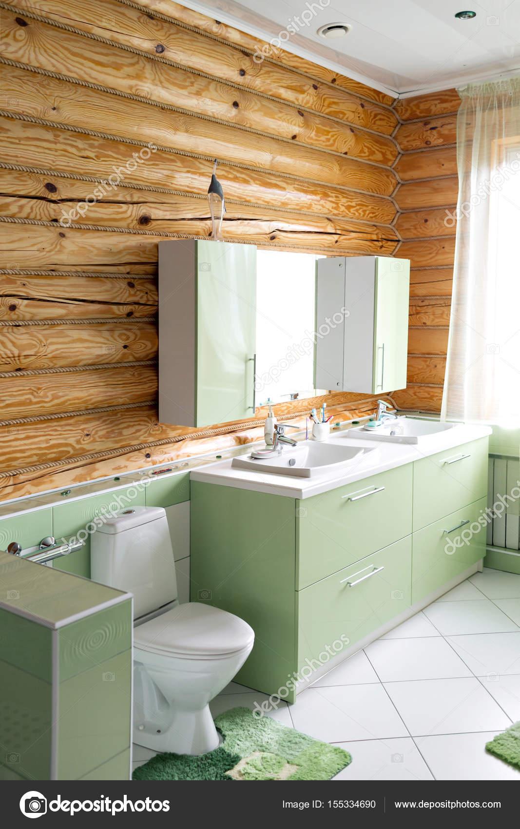 łazienka W Stylu Rustykalnym Domku W Górach Z Pięknym