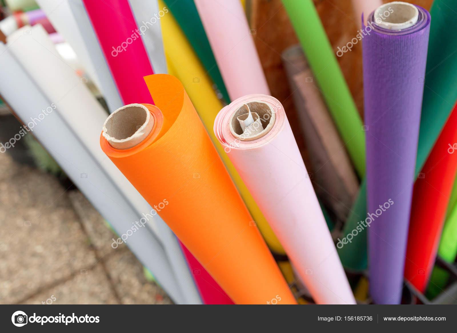 Rotoli Di Carta Colorata : Molti rotoli di carta per i fiori carta da imballaggio colorato