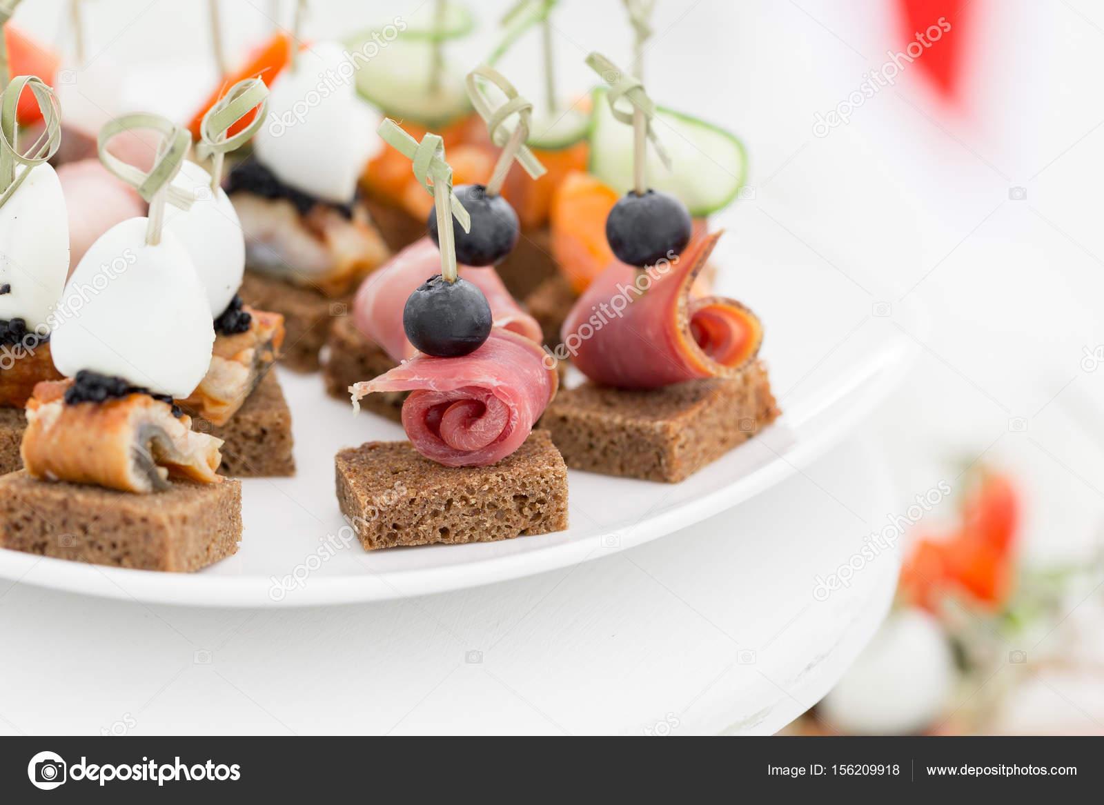 śniadanie W Formie Bufetu W Recepcji Asortyment Kanapki Usługi