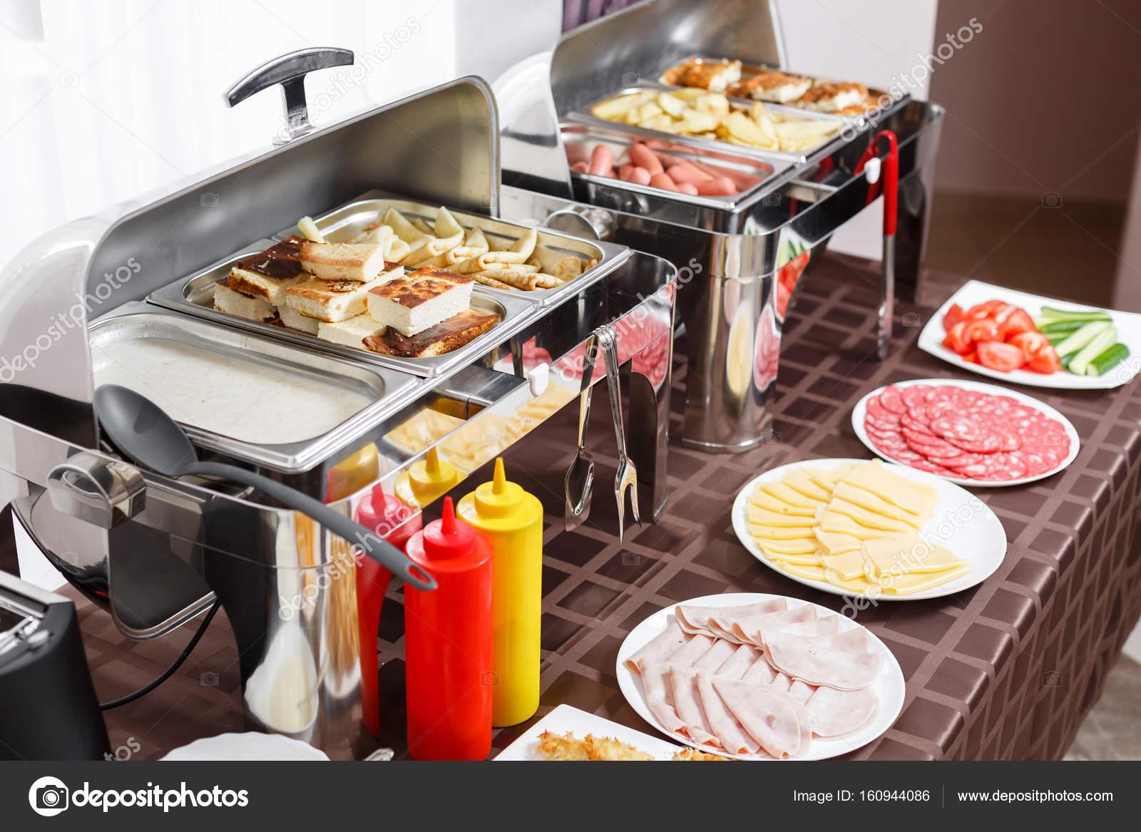 Frühstück Im Hotel Buffet Tisch Mit Geschirr Warten Auf Gäste