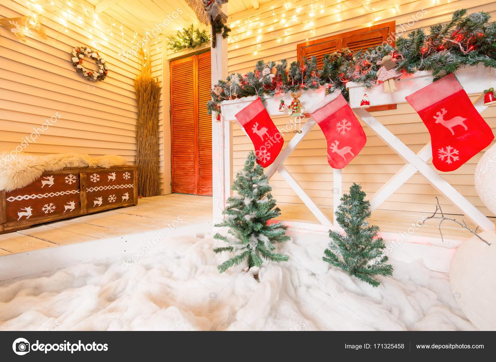 Calcetín De La Navidad Y La Decoración En Madera En La