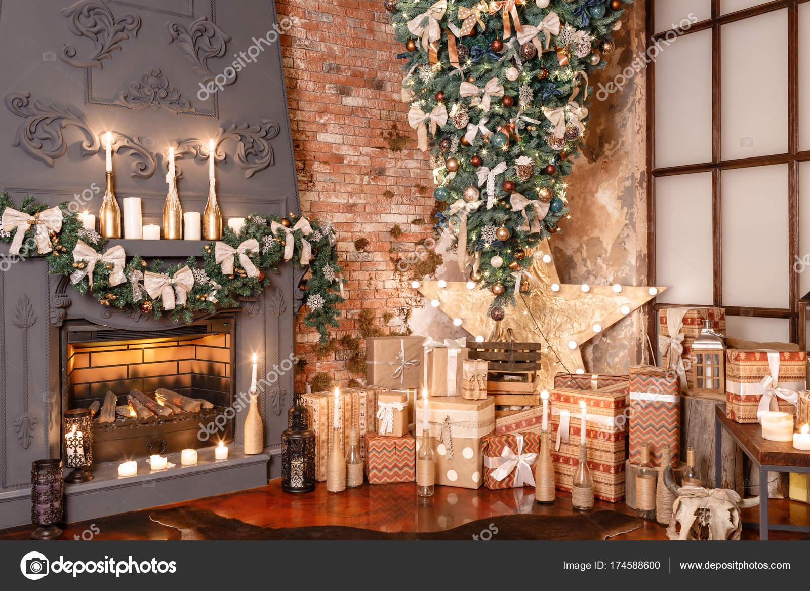 Regali Di Natale Per Casa.Molti Regali Di Natale Arredamento Casa Di Inverno Interno Moderno