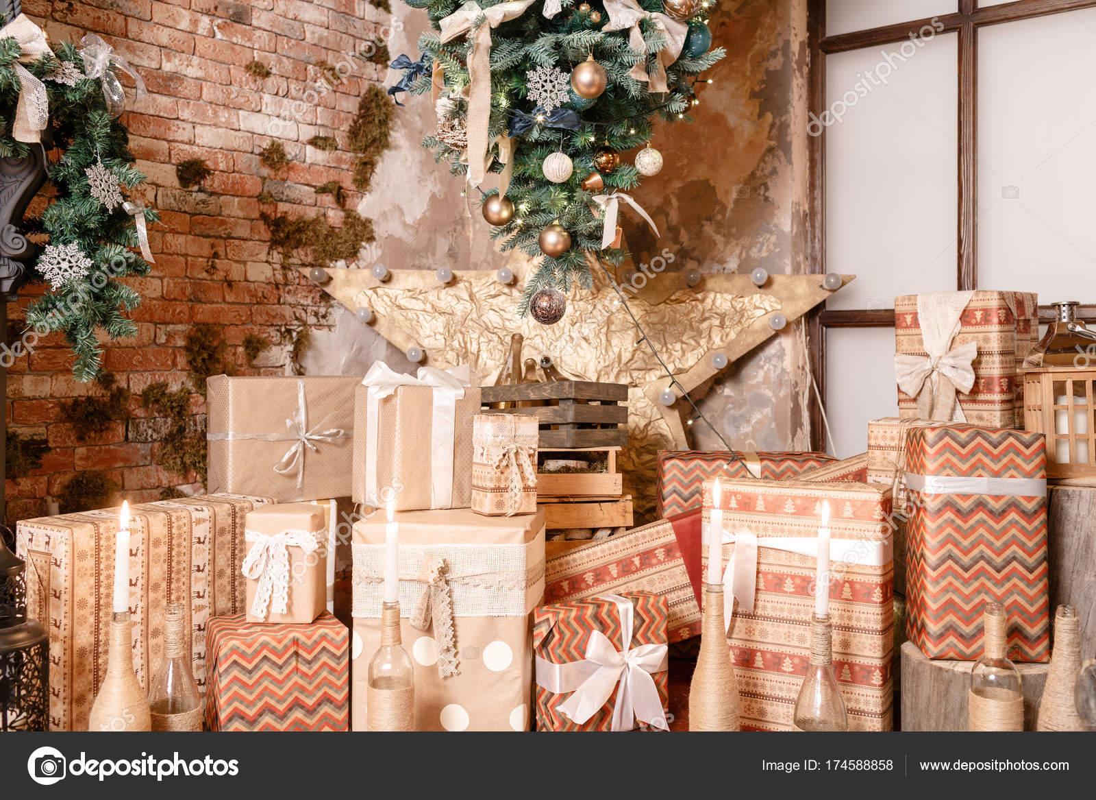 Regali Di Natale Alternativi.Molti Regali Di Natale Arredamento Casa Di Inverno Interno Moderno