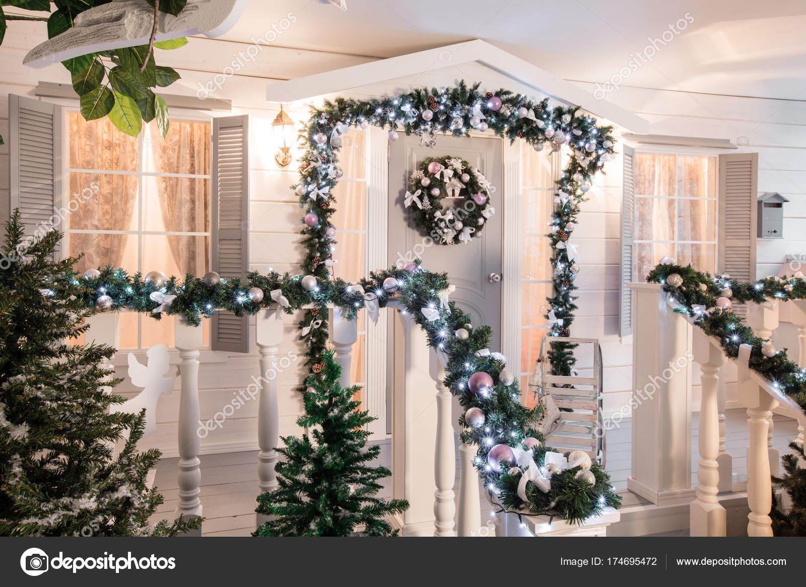 Entree De Maison Decoree Pour Les Vacances Decoration De