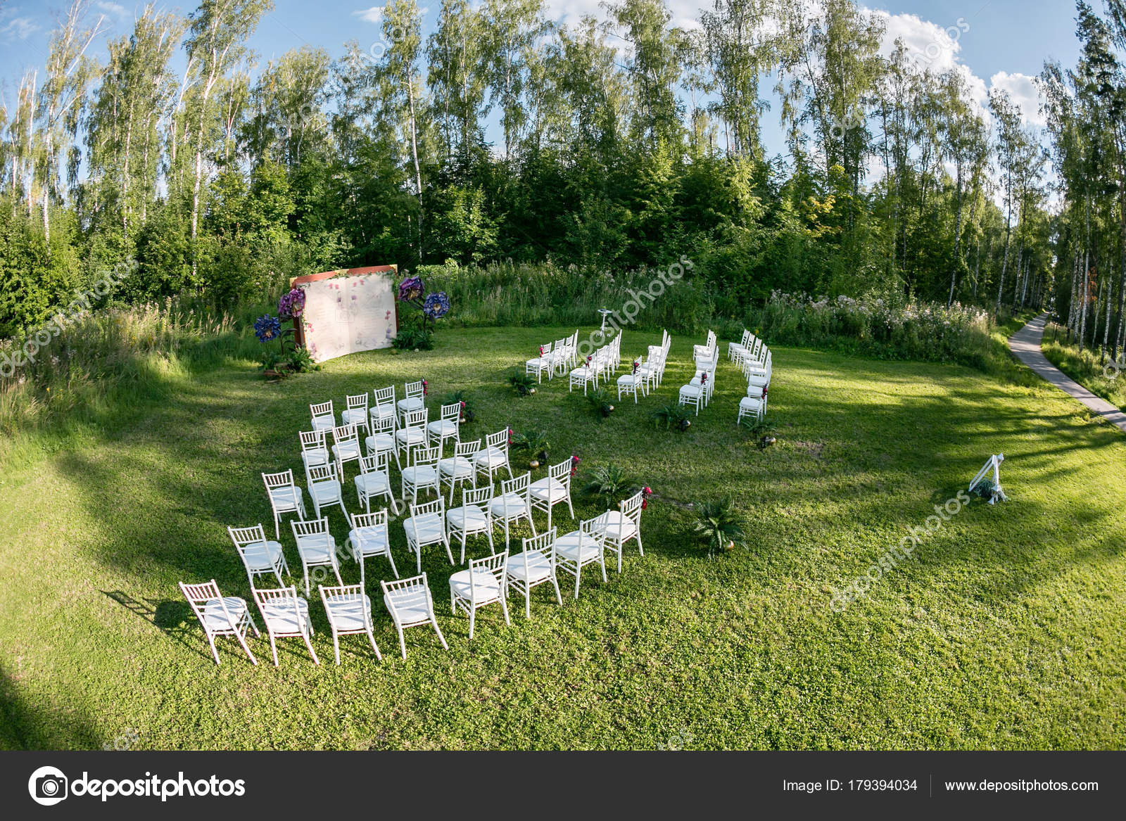 Beautiful Setting For Outdoors Wedding Ceremony Waiting