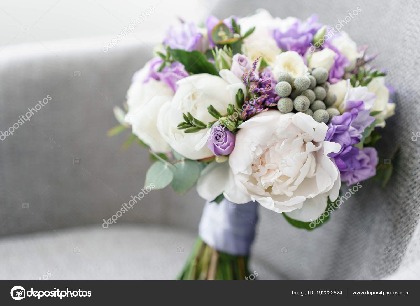 svadebnie-buketi-abhazii-foto-iz-pionov