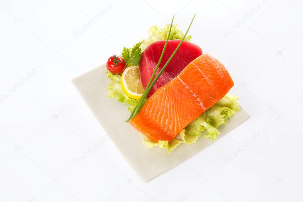 fresh salmon and tuna fish in a plate