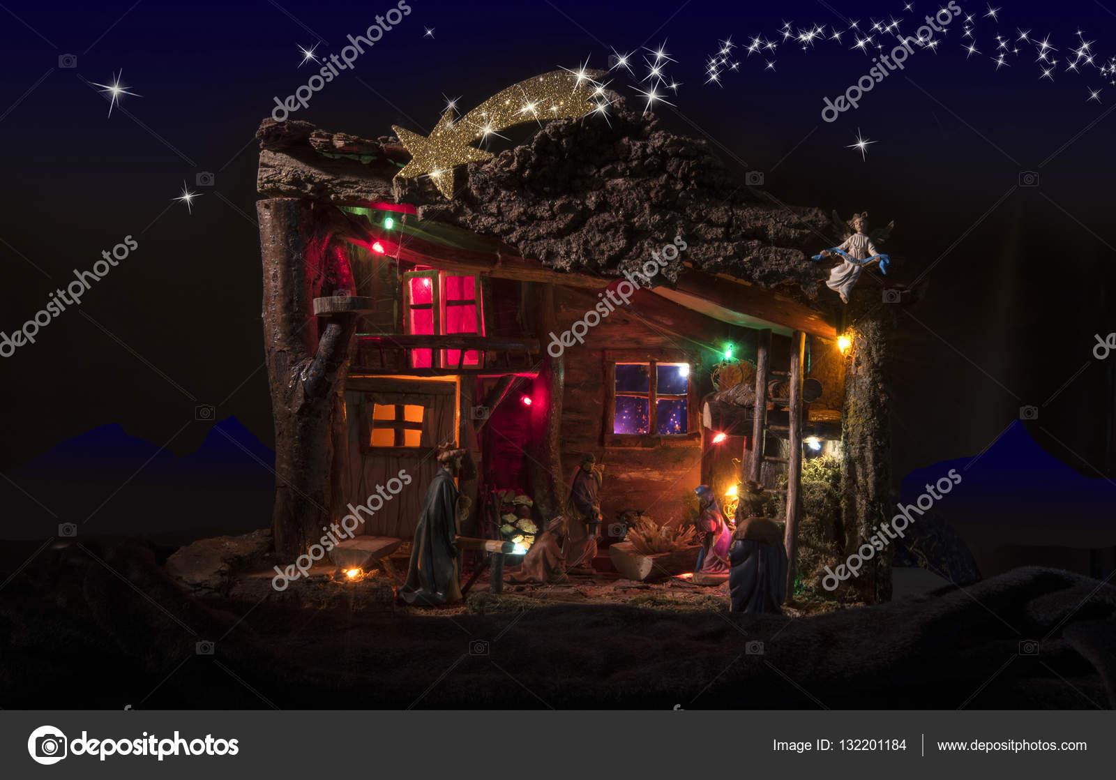 Presepe con luci e sfondo foto stock barbajones 132201184 for Luci presepe