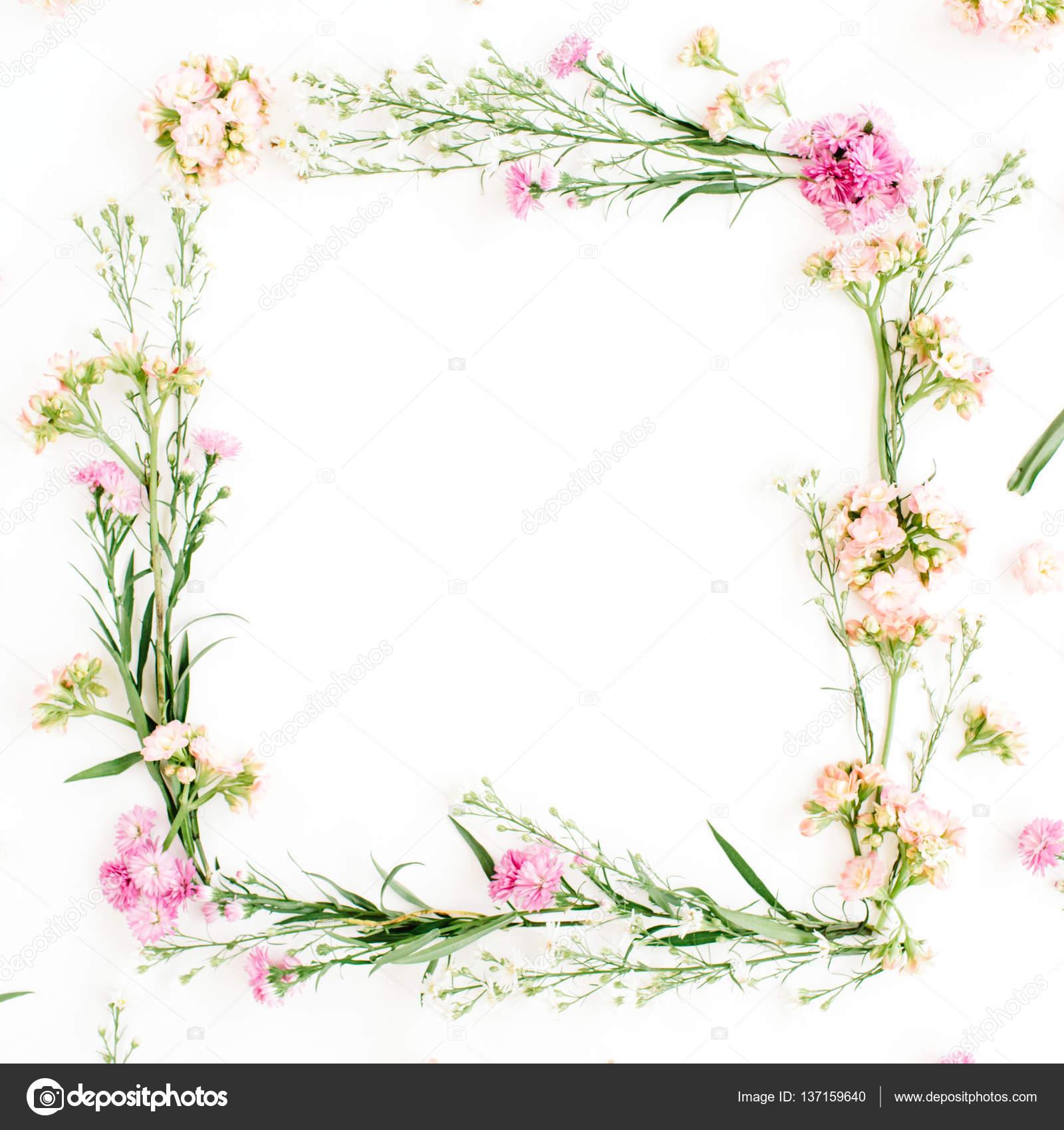 Kranz Rahmen aus rosa und Beige Wildblumen — Stockfoto ...