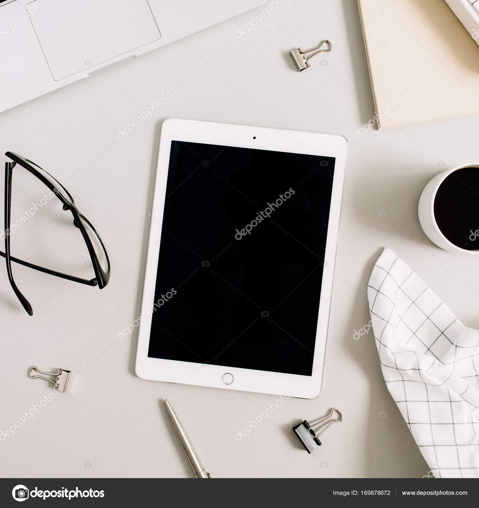 Moderne home-Office Schreibtisch — Stockfoto ...