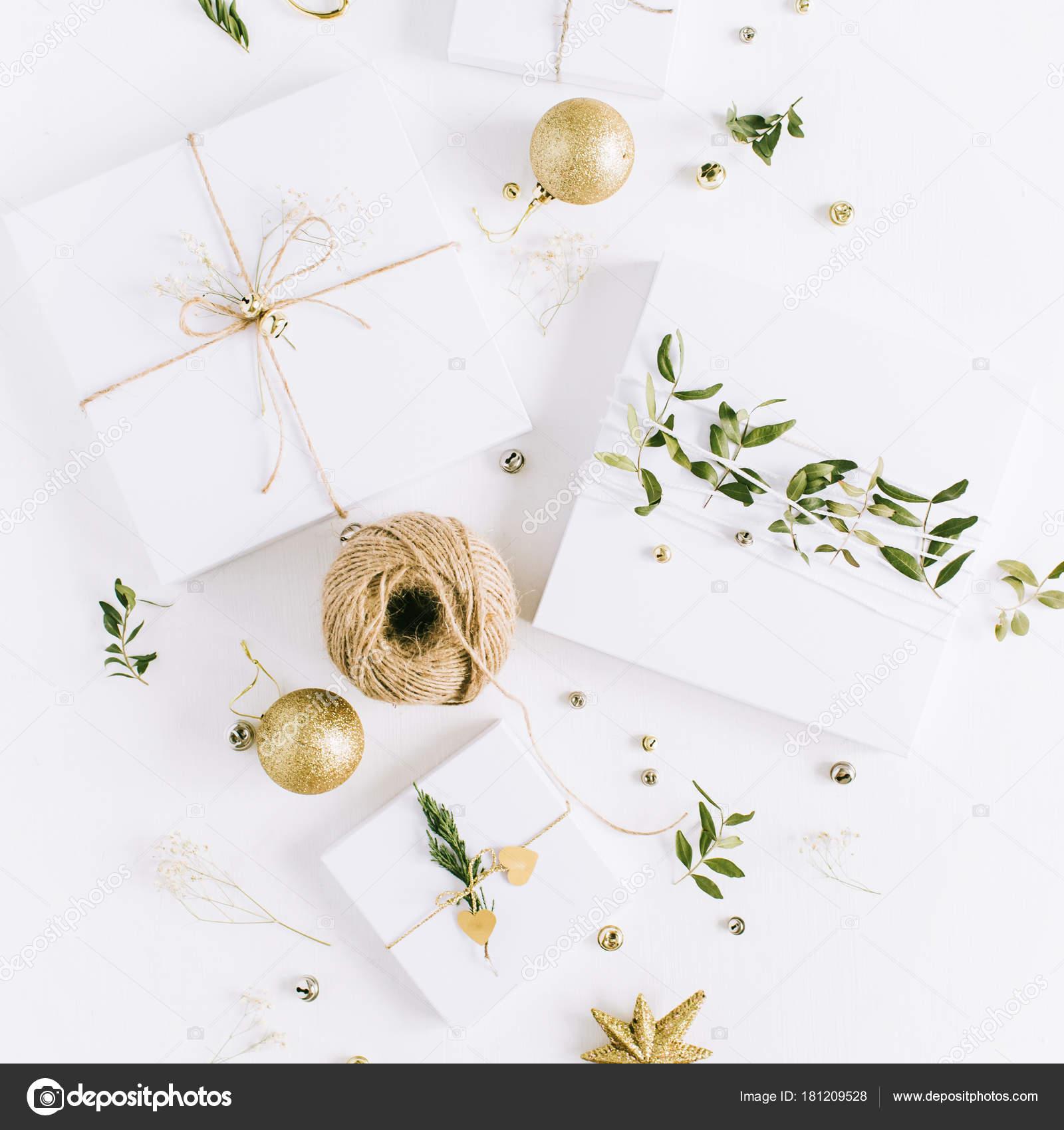 Cajas Regalo Navidad Hecho Mano Con Hojas Color Verde Oro — Foto de ...