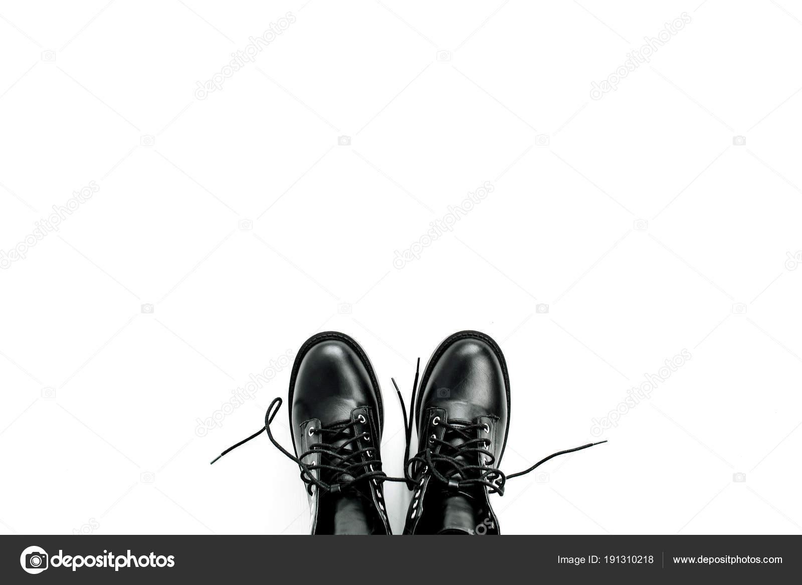 00745dab535 depositphotos_191310218-stockafbeelding-vrouw-mode-plat-lag-bovenaanzicht.jpg